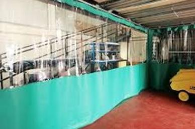 cortinas y biombos flexibles separadores de procesos industriales